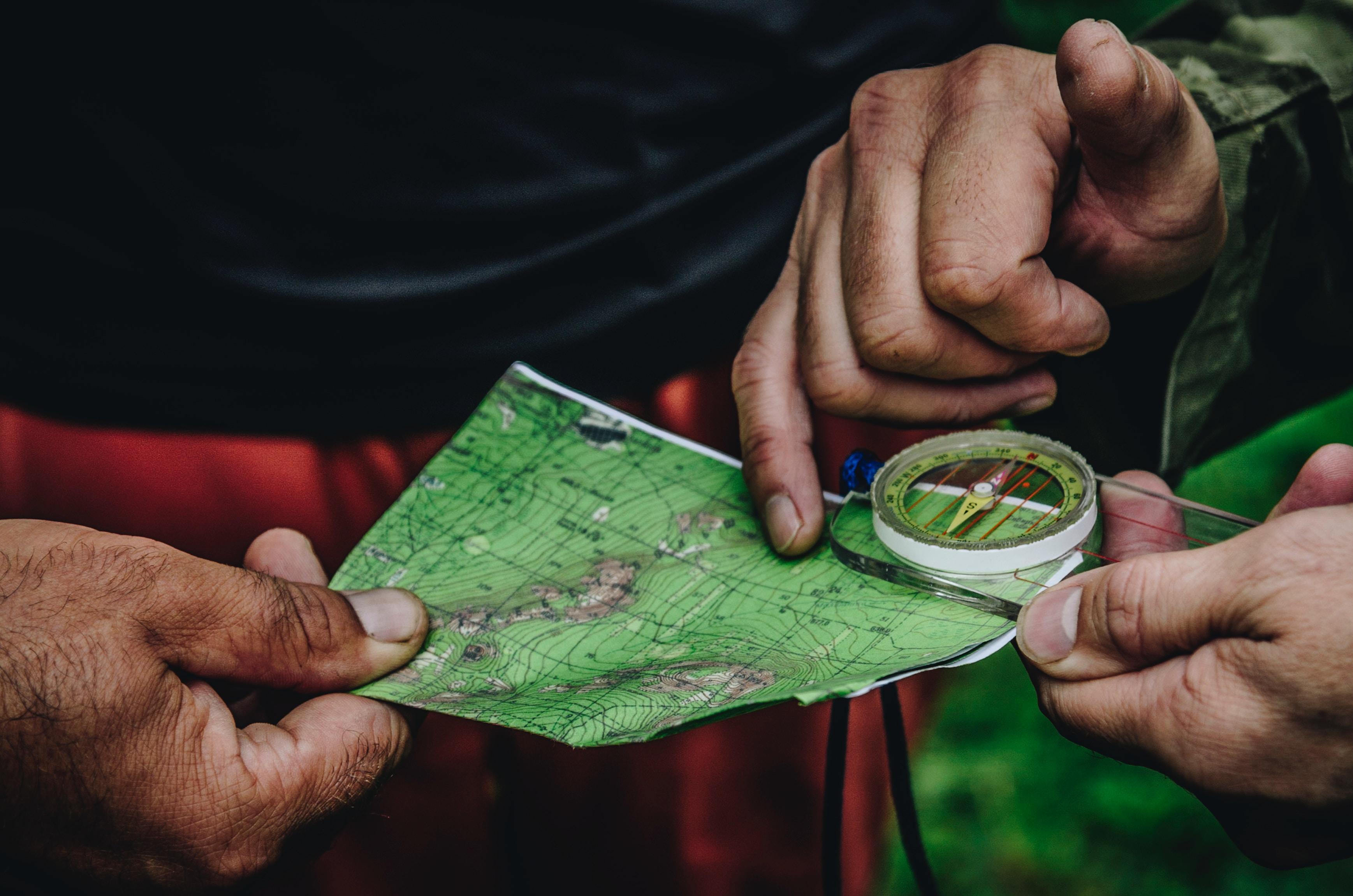 Jak posługiwać się mapą i kompasem
