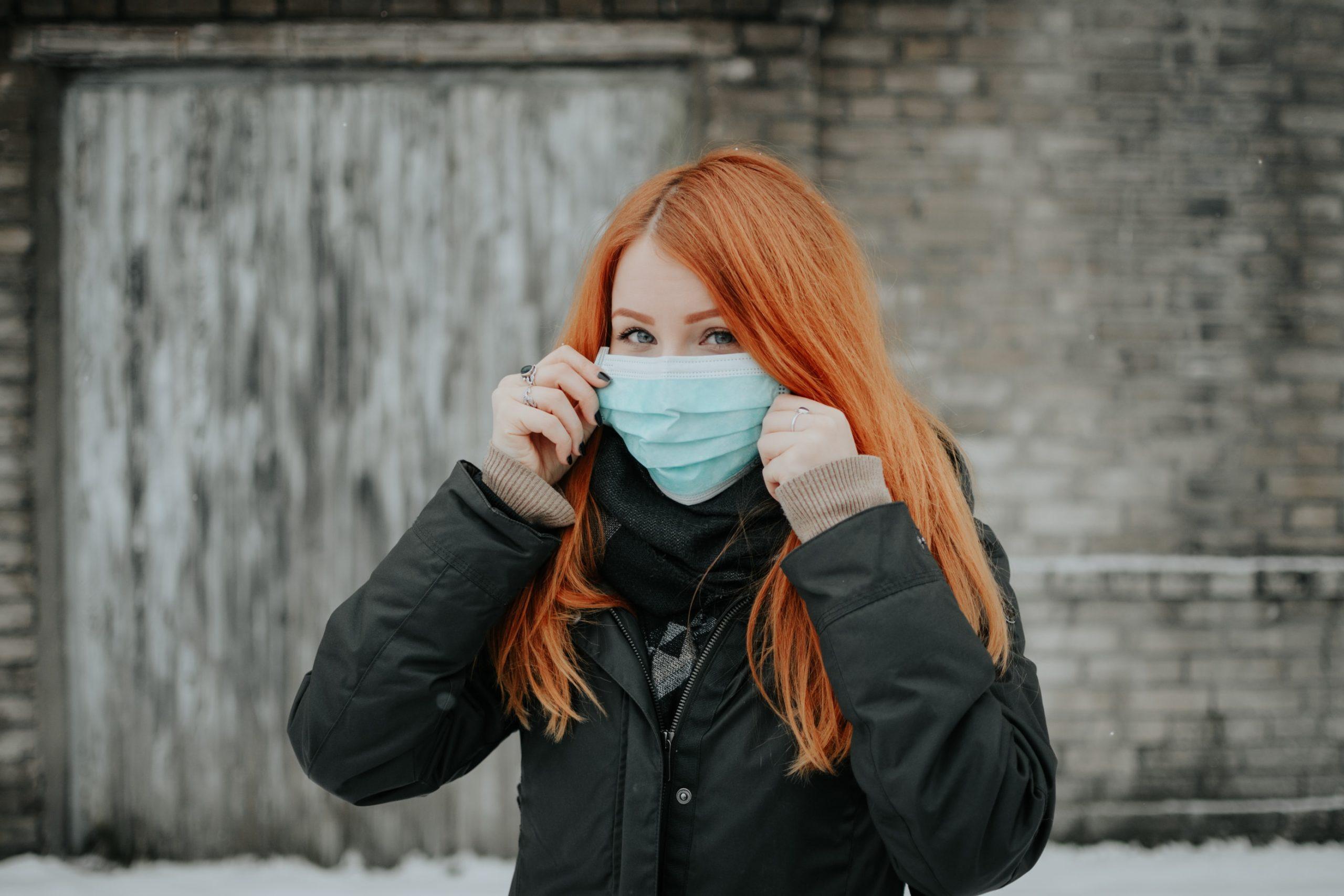 Maski ochronne. Jak bezpiecznie nosić, prać i dezynfekować?